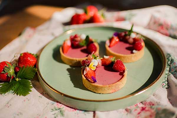 Tartelettes filled with strawberry - mint - Panna Cotta